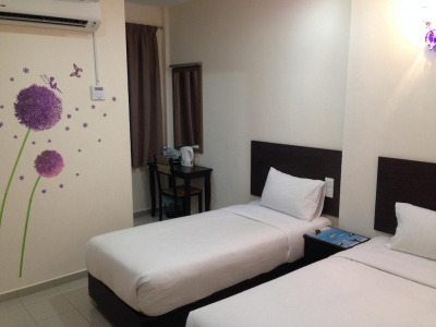 New Golden Star Hotel